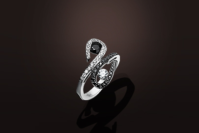 Parfums du Monde Bague OB Diamants blancs et noirs