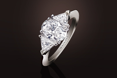 Bague or blanc Diamants taille ovale et triangle