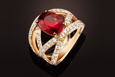 Unique Bague 762 or rose rubis