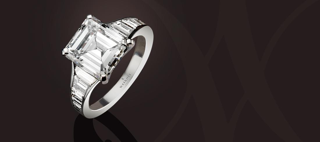 bague diamants taille meraude et baguettes waskoll joaillier rue de la paix paris. Black Bedroom Furniture Sets. Home Design Ideas