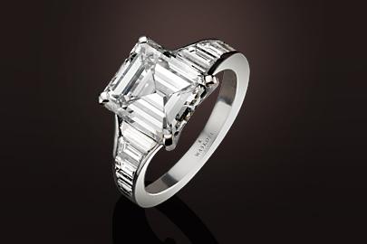 Bague diamants taille emeraude et baguettes
