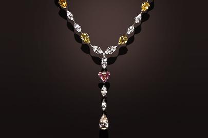Gold and platinum diamonds necklace